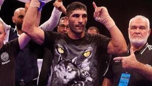Şampiyon kick boksçu Bahram Rajabzadeh'i Gloryye Türk eşi Nehir hazırlıyor