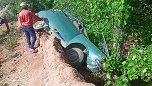 Kırşehirde otomobil bahçeye devrildi: 1 yaralı