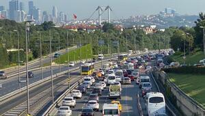 15 Temmuz Şehitler Köprüsü girişinde yoğunluk Trafik durma noktasında