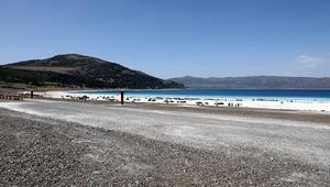 Salda Gölü çevresi önceki haliyle kıyaslanamayacak ölçüde temiz