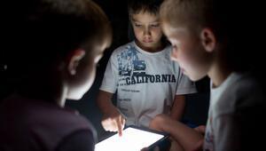 Aileler, çocuklarının izlediği videolara şüpheyle yaklaşıyor