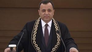 Son dakika haberler... AYM Başkanı Zühtü Arslan: Adaletin gözü bağlı ve taraflara eşittir