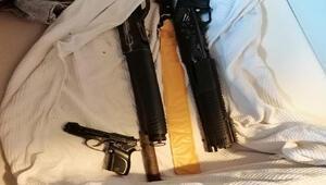 Uyuşturucu operasyonunda tabanca, tüfek ve döner bıçağıyla yakalandılar