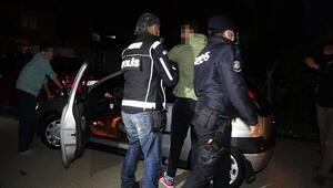 Operasyon sonucunda 50 kişi gözaltına, 30 polis karantinaya alındı