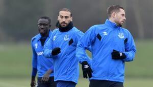 Cenk Tosunun takımı Evertonda maaşlarda koronavirüs ertelemesi