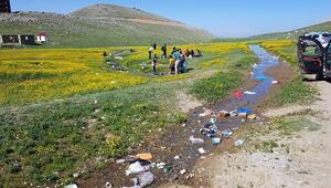 Bu kadarı da pes dedirtti Doğa harikası yayla, çöplüğe döndü...