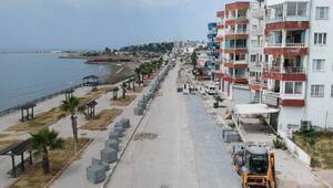 Adananın turizm ilçesi Karataş'ta yol çalışması başladı