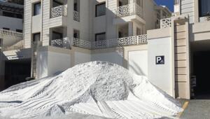 Plajlardaki tehlike: Kuvars tozu Prof. Dr. Sunludan uyarılar