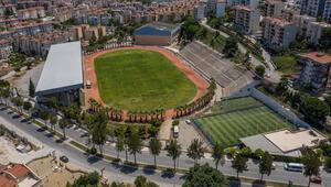 Kuşadasının emektar stadyumu 30 yıl sonra yenilendi