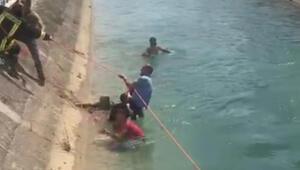 Kanala düşen çocuğu itfaiye ile vatandaşlar kurtardı