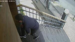 Kağıthanede hırsızların apartmana giriş anı kamerada