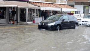 Ankarada sağanak, su baskınlarına yol açtı