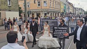 Almanya'da düğün sektörü temsilcilerinden protesto