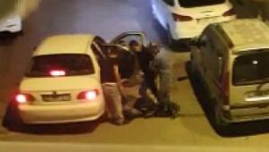 İstanbul'da bıçaklı gasp dehşeti O anlar kamerada