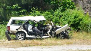 Son dakika haber... Balıkesirde tatil yolunda feci kaza Aynı aileden 6 kişi hayatını kaybetti