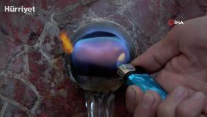 Vatandaşlar alev alev yanan çeşmeden kana kana su içiyor