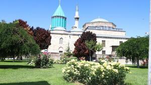 Mevlana Müzesinin turkuaz kubbesi yenileniyor