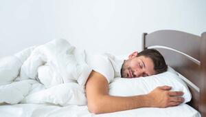 Uyku şekli ele veriyor İşte pozisyonuna göre şifreler...