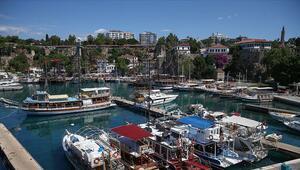 Antalyanın tarihi semti Kaleiçine maskesiz girişler yasaklandı