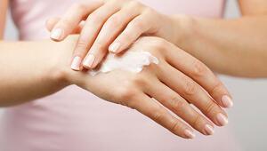 Salgın döneminin cilde olan etkilerinden korunmak için bunlara dikkat edin