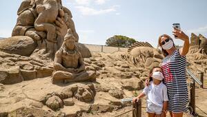 Kumdan Şiva heykeline kumdan maske