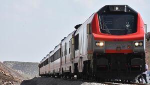 Bakü-Tiflis-Kars Demir Yolu Hattı Kovid-19 sürecinde Türkiyenin dışa açılan ticaret yolu oldu