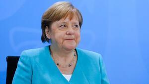 Merkel, eyalet başbakanlarıyla Kovid-19 önlemlerini görüştü