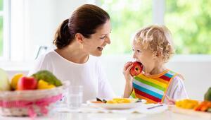 Çocuklar yaz döneminde nasıl beslenmeli