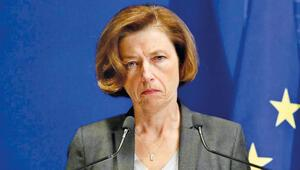 Fransa NATO'da umduğunu bulamadı