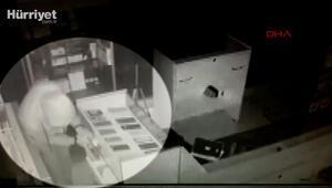 Bayrampaşada 50 saniyede 50 bin liralık hırsızlık kamerada