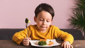 Yemek yedirmek için ısrar etmeyin, ceza vermeyin