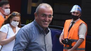 Abdürrahim Albayrak maskesiz sokakta