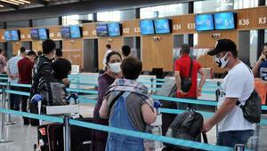 Türkiyede kalan yabancı uyruklu yolcular ülkelerine dönüyor