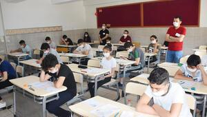 2 milyona yakın öğrenci sınavda