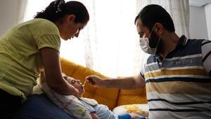 Antalyada işitme engelli babanın engelli çocukları için fedekarlığı
