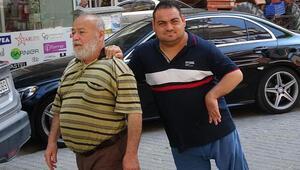 Bedensel engelli oğluna 21 yıldır gözü gibi bakıyor