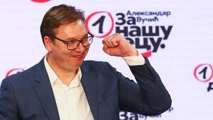 Koronavirüs gölgesinde yapılan Sırbistan seçimlerinde Cumhurbaşkanı Vucicin partisi tek başına iktidar oldu