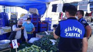 Semt pazarında maske takmayanları zabıta ekipleri uyardı