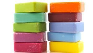 Kokulu ve renkli sabunlara dikkat Egzamaya neden olabilir