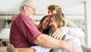 Büyüklerimize sarılamama travması