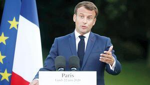 'Macron akıl tutulması yaşıyor'