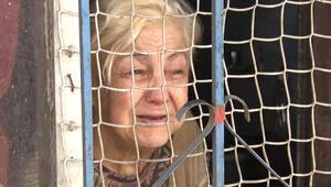 Polis yaşlı kadını uzun uğraşlar sonucu ikna etti Şaşkına çeviren olay...