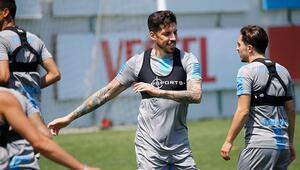 Trabzonsporda Jose Sosa takımla çalıştı Sörloth antrenmana çıkmadı...