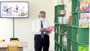 Başkan Büyükkılıç, semt kütüphanesini gezdi