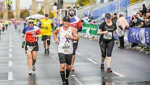 Berlin Maratonuna Covid-19 engeli