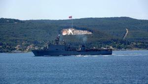 ABD savaş gemisi Oak Hill Çanakkale Boğazından geçti