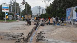 Büyükşehir, Ceyhanın içme suyu şebekesini yeniliyor