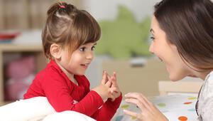 Uzmanlar uyarıyor: Geç konuşan çocuk hayata geç başlar