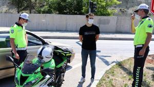 Dur ihtarına uymayan motosikletli: Polis bana el sallıyor sandım