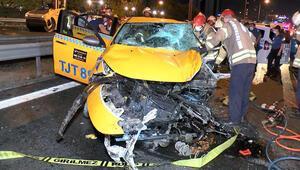 Basın Ekspreste taksiyle otomobil kafa kafaya çarpıştı, 1 ölü 2 yaralı